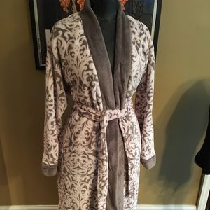 ELLEN TRACY VERY SOFT PINK/ Brown ROBE LARGE